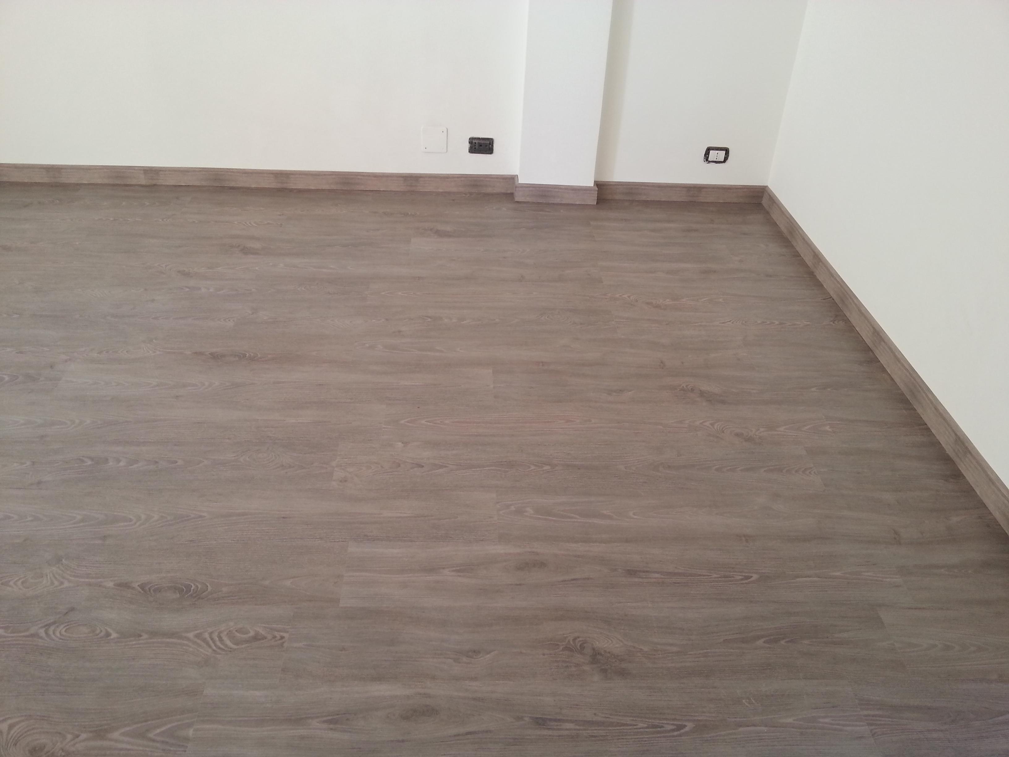 Pavimenti In Laminato Rovere Grigio: Pavimento laminato rovere ...